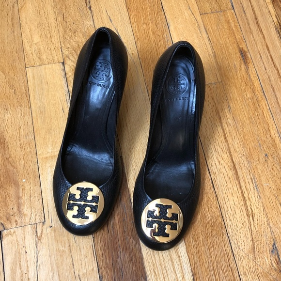 516acf99cc9 Tory Burch Shoes - Tory Burch Classic Black Wedge Size 9
